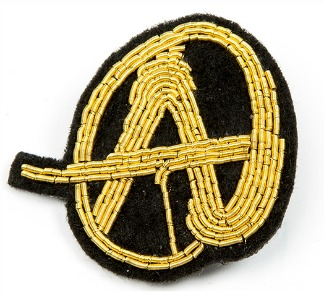 broche anarchiste en or poisson rouge